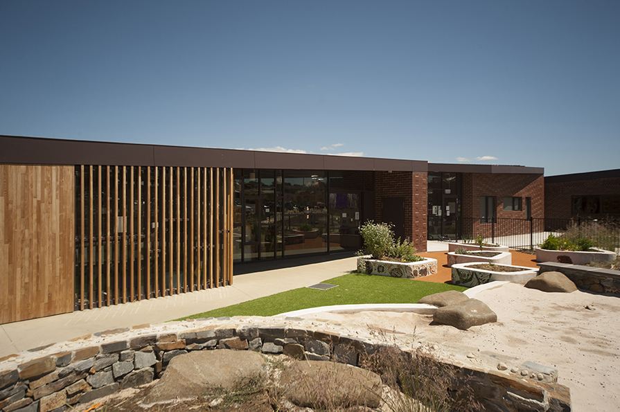 Bridgewater LINC and Child and Family Centre by Liminal Architecture. Image by Jonathan Wherrett.