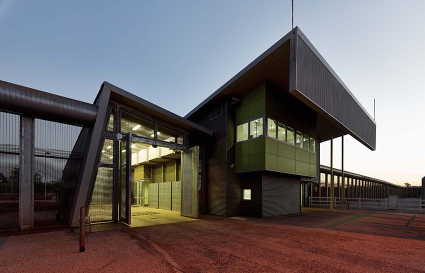 The colorbond award for steel architecture news media Regional house