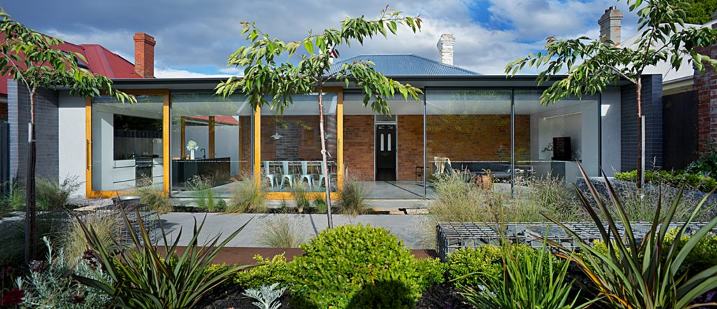 Residential Architecture – Houses (Alterations and Additions) Tasmanian Chapter Named Award - Jenny's House by Rosevear Stephenson. Photo by Ray Joyce.