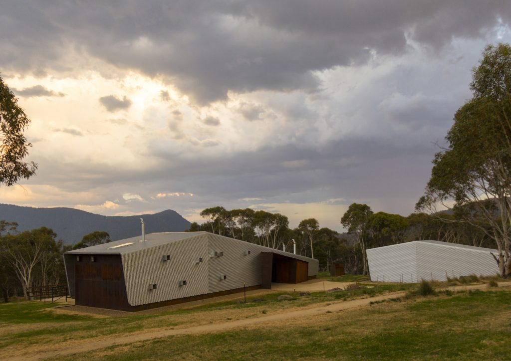 COLORBOND® AWARD FOR STEEL ARCHITECTURE Award – Crackenback Stables by Casey Brown Architecture. Photo by Rhys Holland.
