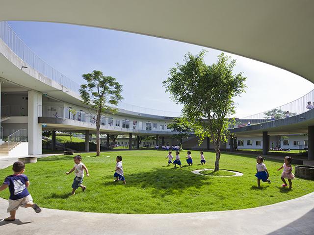 Farming Kindergarten - Photo Credit: Hiroyuki Oki