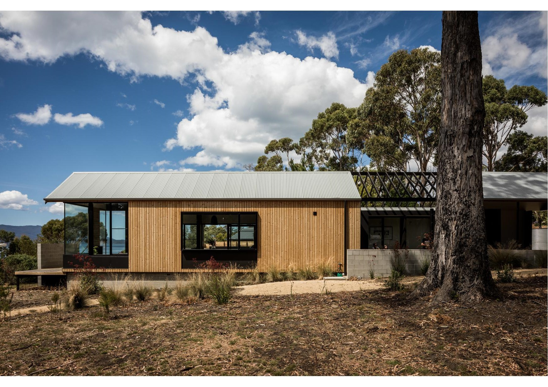 Spring beach getaway 2018 tasmanian architecture awards for Beach house designs tasmania